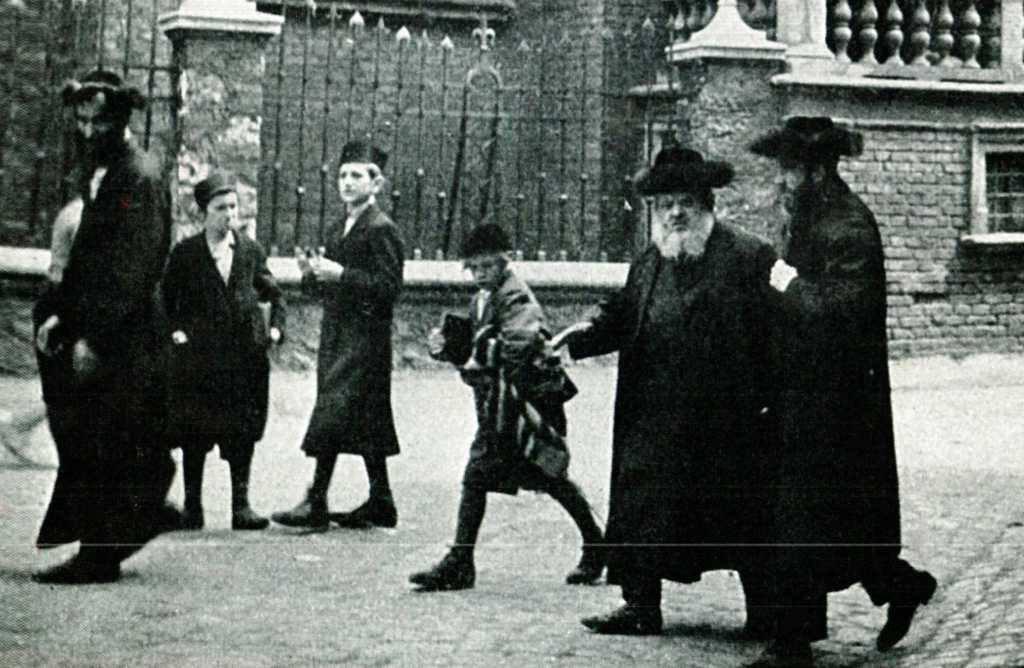 Yitzhak Teichtal in Kraków (picture taken from Yad VaShem database)